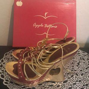 Vintage Apple Bottoms wedge Sandals good condition